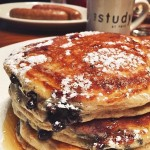 Brunch with blueberry buttermilk pancakes from @heirloomnewhaven in New Haven,…